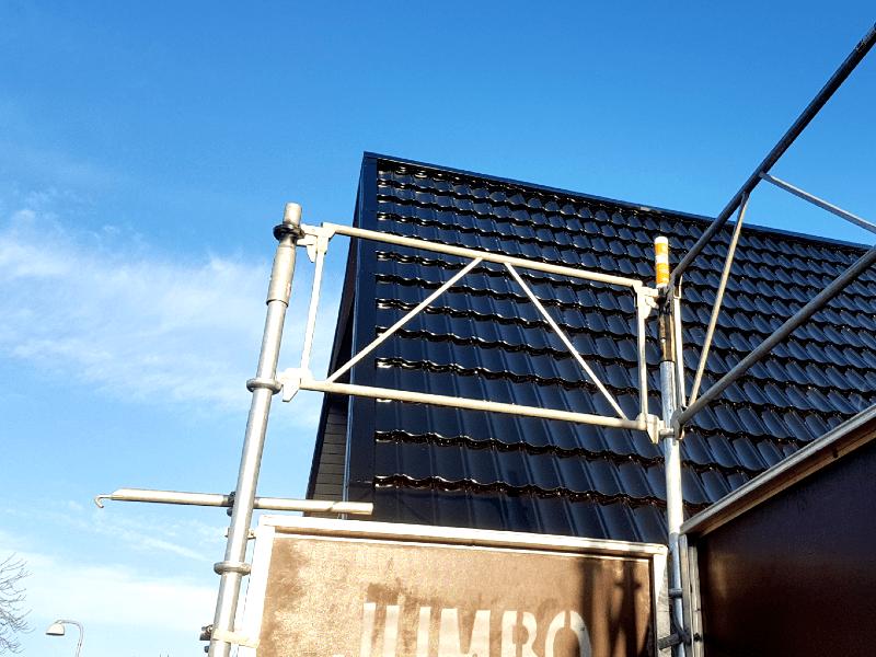Sådan ser det færdige ståltag ud på en dejlig eftermiddag i december 2019